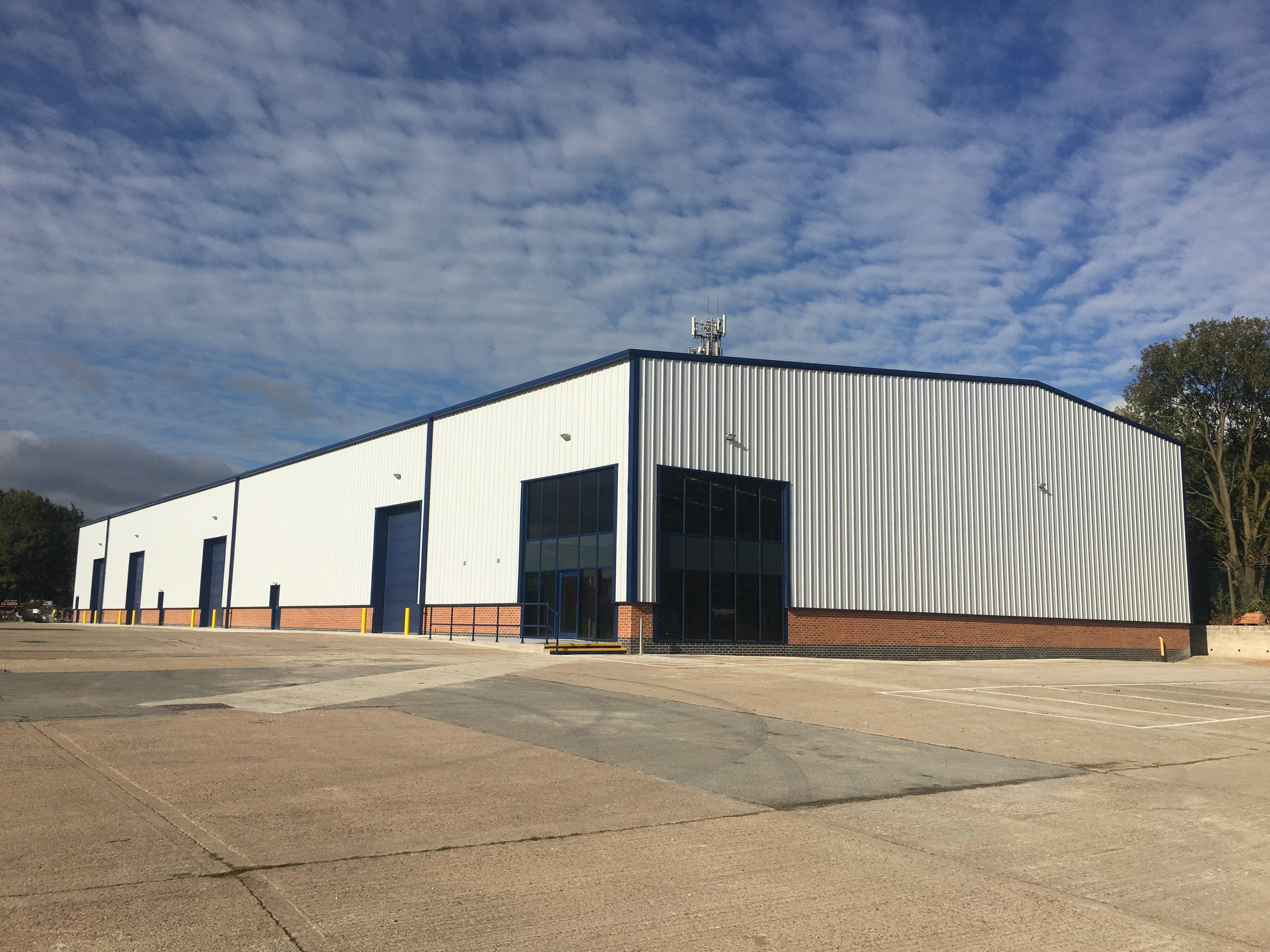 New Industry Unit With Excellent Transport Links Available main image